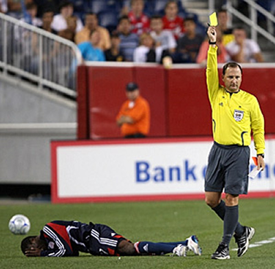 soccer officiating, how to become a soccer referee
